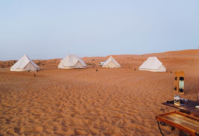 Canvas-Club-Gruppen-Setting-Wahiba-Wüste-Oman