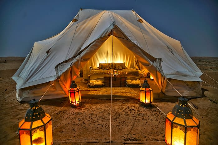 Canvas-Club-Zelt-Frontalansicht-Wahiba-Wüste-Oman